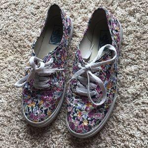 Women's Floral-patterned Vans tennis shoes